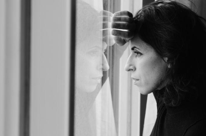 Otyłość w wieku średnim może zwiększać ryzyko demencji u kobiet