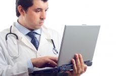 Zmasowany atak hakerów i hejterów na lekarzy. Chodzi o...