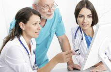 Pytanie do lekarzy: czy chcielibyście, aby Wasze dzieci także zostały lekarzami?