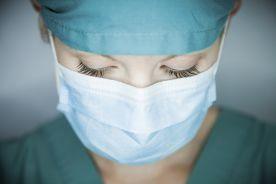 Prawie połowa brytyjskiego personelu medycznego ma problemy psychiczne przez Covid-19