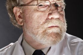 Włoski lekarz-negacjonista pandemii zarobi o 20 proc. mniej