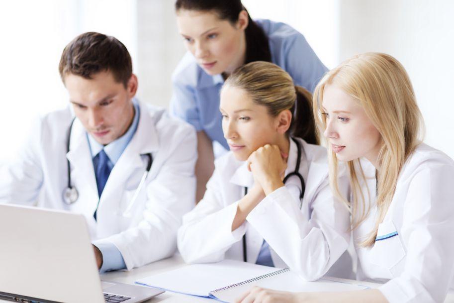 Winorelbina p.o. lub etopozyd w połączeniu z cisplatyną i radioterapią miejscowo zaawansowanego NDRP: wyniki badania RENO