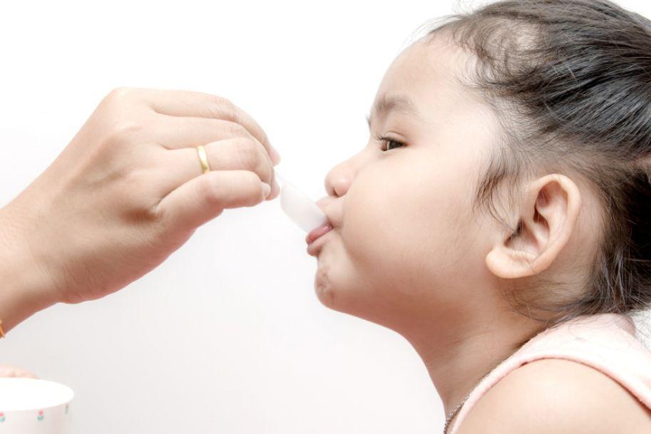 Nowy mechanizm działania znanego leku – suchy wyciąg z bluszczu Hedera helix – racjonalna terapia stanów zapalnych dróg oddechowych