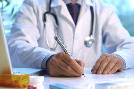 Połączenie paracetamolu i tramadolu w farmakoterapii bólu – dlaczego dawki zastosowanych leków mają tak istotne znaczenie
