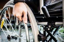 Wózek inwalidzki dla wybranych, czyli limity NFZ