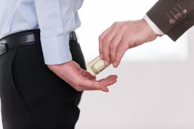 Podwyżki za pożyczone pieniądze