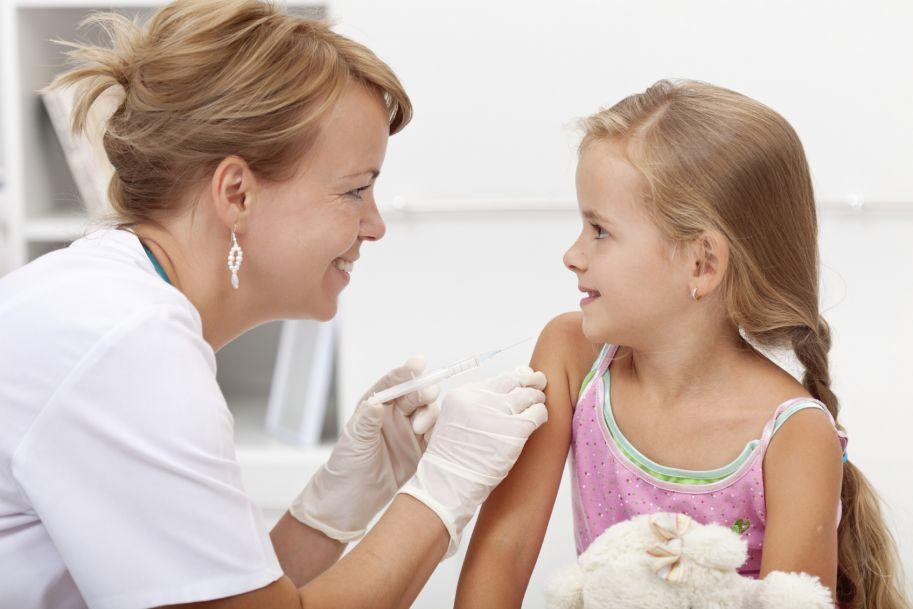 Czy szczepienie przeciw ospie wietrznej jest skuteczne i jak długo utrzymuje się ochrona przed zachorowaniem?