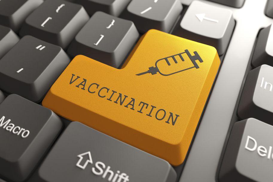 Personel medyczny też należy zabezpieczyć szczepieniami ochronnymi