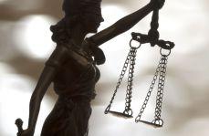 Osiemset zarzutów korupcyjnych dla małżeństwa lekarzy