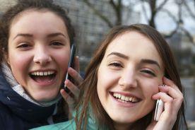 Na ile lat się czujesz? Sprawdź, czy znasz młodzieżowe słowo roku 2017