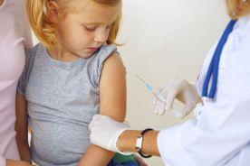 Brytyjscy lekarze przeciwni przymusowi szczepień