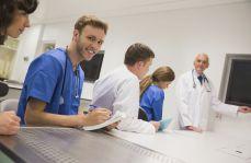 Marchewka i kijek na lekarzy