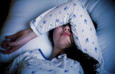 Za krótki lub zbyt długi sen związany ze zwłóknieniem płuc