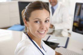 """Co w praktyce oznacza """"porada lekarza przez telefon""""?"""