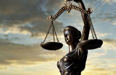 Resort sprawiedliwości wycofuje się z zamachu na tajemnicę lekarską