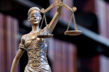 Ortopeda skazany za gwałt