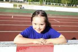 Brytyjski ekspert: brak szkoły groźniejszy dla dzieci niż koronawirus