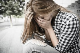 Połowa brytyjskich studentów rozważa samookaleczenie