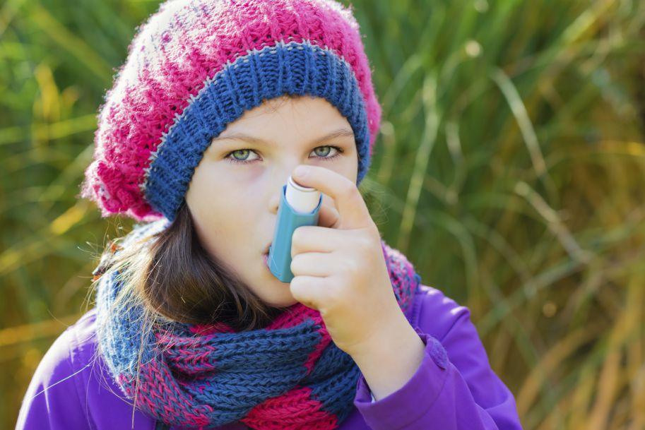 Modele leczenia astmy długo działającymi beta2-agonistami i wziewnymi glikokortykosteroidami