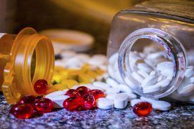 UE: od soboty w UE nowe przepisy chroniące leki przed podrabianiem
