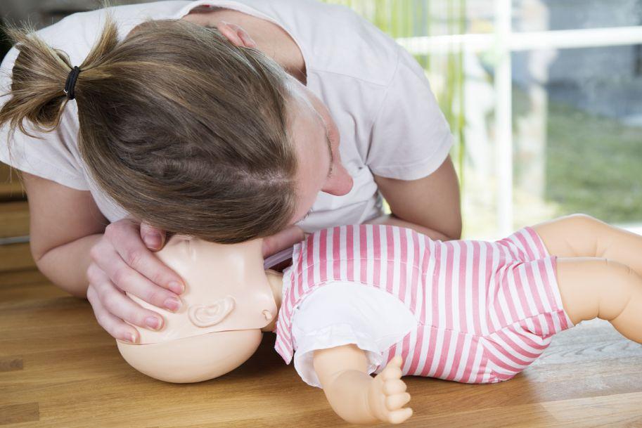 Zasady terapii stanów zagrożenia życia niemowląt i dzieci