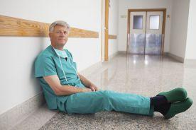 """Dramatyczny brak lekarzy w szpitalu zakaźnym: """"nie pociągniemy tak długo"""""""