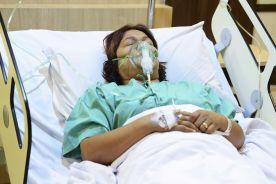 Anestezjolog: Covid-19 dusi mocniej niż boa i zabija jak cyjanek