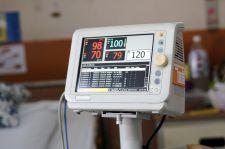 Respiratorów pod dostatkiem, ale kadry brak