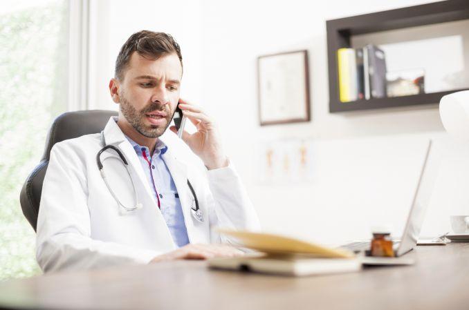 """""""Teleporady to fikcja"""": ponad tysiąc skarg na lekarzy"""