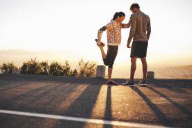 Przykurcz mięśnia naprężacza powięzi szerokiej uda a zgięcie stawu kolanowego u biegaczy