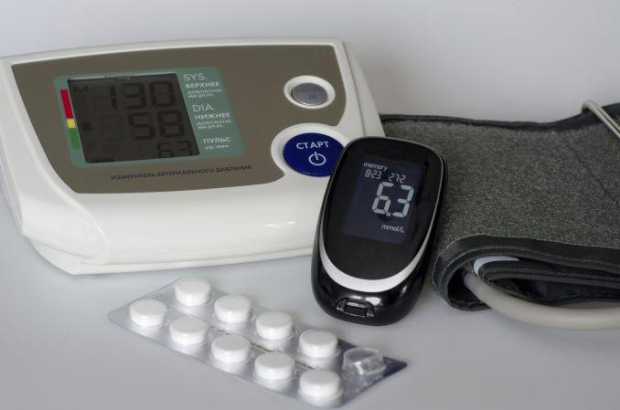 Czy można poprawić wyrównanie metaboliczne u pacjenta z cukrzycą typu 2 bez zwiększenia ryzyka hipogikemii? Przypadek kliniczny