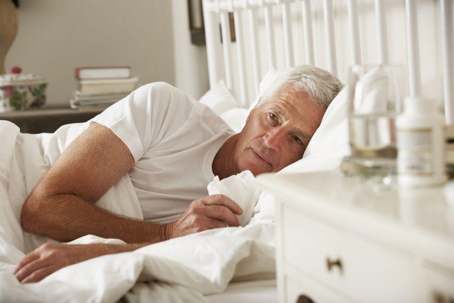 Metronomiczna terapia winorelbiną p.o. jako leczenie pierwszego rzutu zaawansowanej postaci NDRP u osób starszych
