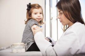 MEN nie planuje zmian przepisów ws. szczepień przedszkolaków