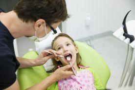 Opieka nad uczniami pułapką dla dentystów