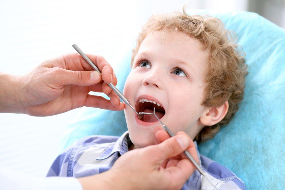 Planowanie leczenia próchnicy wczesnego dzieciństwa w kontekście współpracy z pacjentem i zaangażowania rodziców na podstawie przeglądu piśmiennictwa