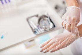 Zapobieganie zakażeniom krwiopochodnym wśród personelu medycznego – priorytetowe działanie Zespołu Kontroli Zakażeń Szpitalnych