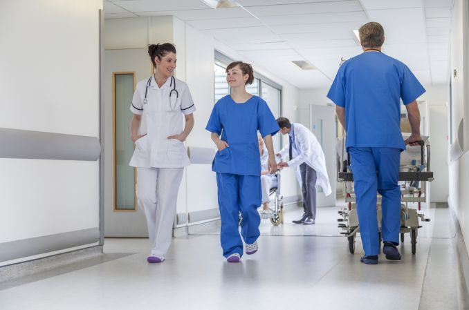 Przed czym ostrzegają lekarze rezydenci?