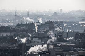 Walczą ze smogiem ekologiczną niedzielą. Handlowcy protestują