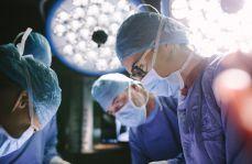 Lekarze mają sposób na pobieranie wyższych pensji