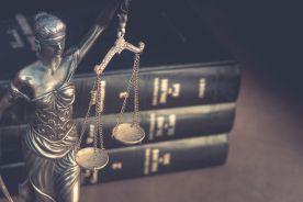 Prokuratura sprawdza płatne dyżury byłego marszałka