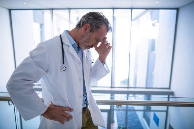 Lekarze bez dodatkowej ochrony - Sejm odrzucił poprawki do ustawy