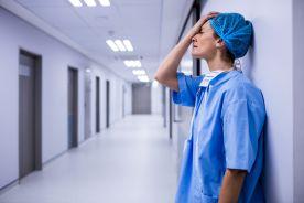 Długie godziny pracy zwiększają ryzyko udaru