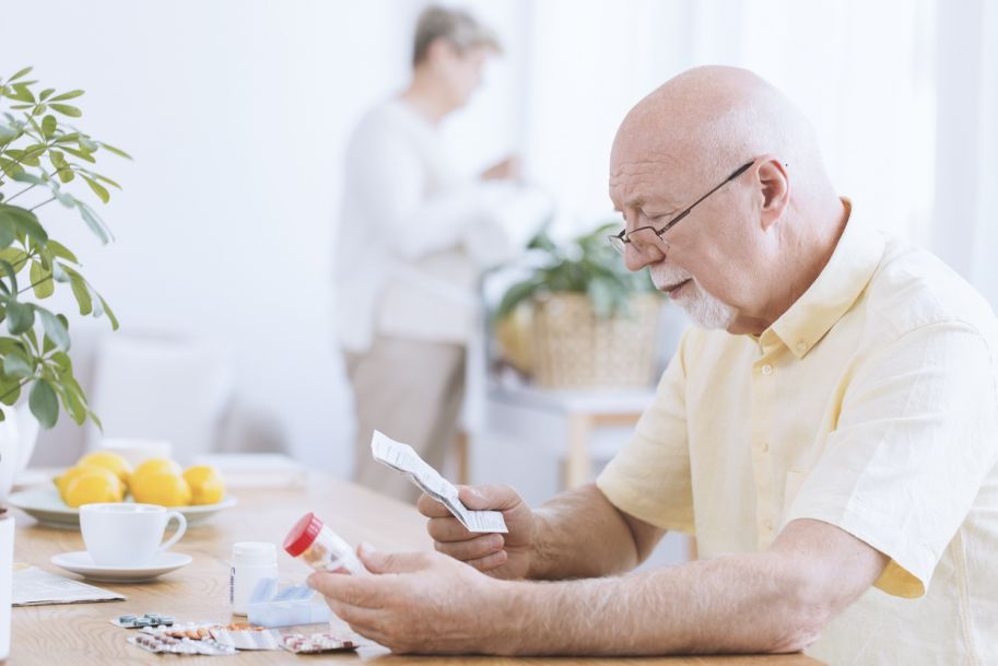 Nadciśnienie tętnicze w wieku podeszłym – od patogenezy do skutecznego leczenia – przypadek wraz z komentarzem