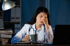 Walka z Covid-19 może odcisnąć trwałe piętno na zdrowiu medyków