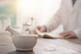 Nadwrażliwość na substancje pomocnicze obecne w lekach – narastający problem praktyczny