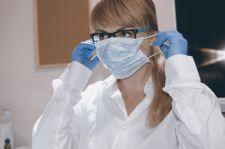 Hiszpańscy pulmonolodzy: maski powinny być zdejmowane po 45 minutach