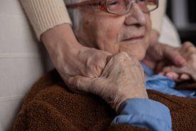 Pobudzony pacjent z demencją – farmakoterapia i strategia zmiany leków