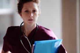 Bezsenność, nadmierna senność, nadmierne zmęczenie, niepokój  oraz depresja u pielęgniarek pracujących w systemie zmianowym z mniej niż 11h przerwami
