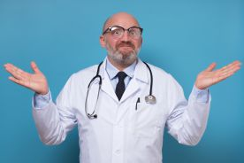 Jeden lekarz, jeden etat, ale ile lat?