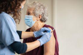 """W Niemczech na jesieni """"szczepienia odświeżające"""" dla seniorów"""